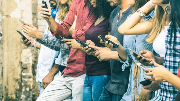 2019上半年手机ZDC报告:千元机崛起 超三成用户最关心手机拍照功能