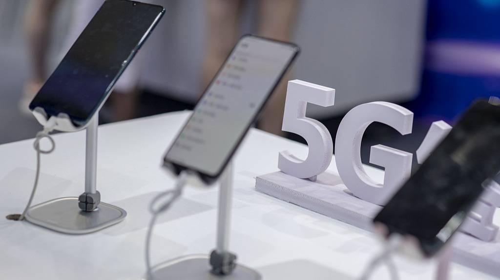 【虎嗅早报】首批8款5G手机获3C认证:华为占4款,未见小米