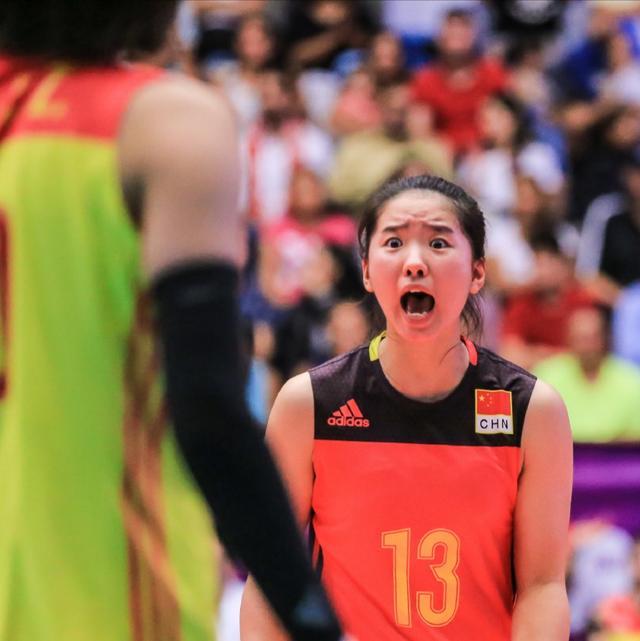 惨败!中国女排青年军被俄罗斯横扫,球迷:一