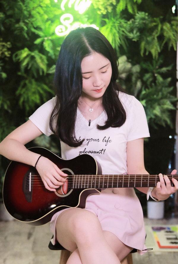 """郭沁探索音乐不止 """"好声音学姐""""坚持初心不变"""