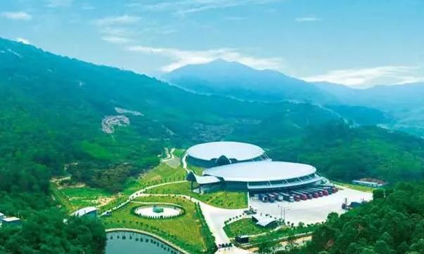 中国饮用水新巨头:它一年产销240万吨水,农夫山泉怡宝迎来劲敌