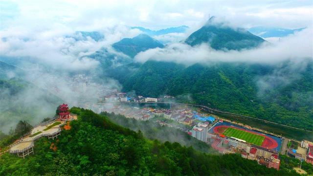 佛坪县人口_8000人 袖珍县 的存废之争 一年只挣7000万,却花8亿......