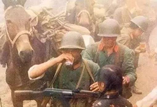中越反击战最惨烈之战,烈士血染法卡山,英雄孤... _手机搜狐网