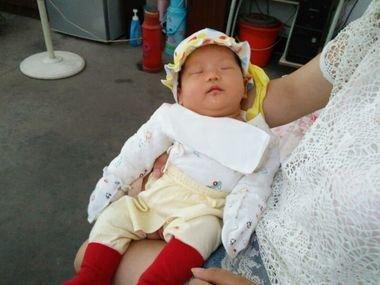 小寶寶出生多少天才可以抱出門?過早過晚都不好,可別抱錯了