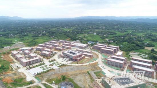 泸州第二座大学城有序推进 部分学校正在进行内装