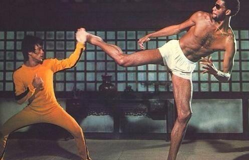 NBA巨星们的艺术细胞!有人喜欢唱跳和rap詹姆斯原来是跳舞高手