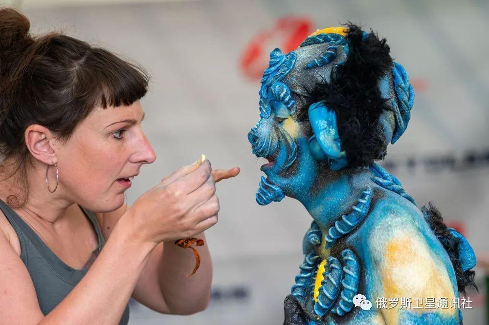 人体艺术之美乳_图集:惊人的艺术——奥地利世界人体彩绘节
