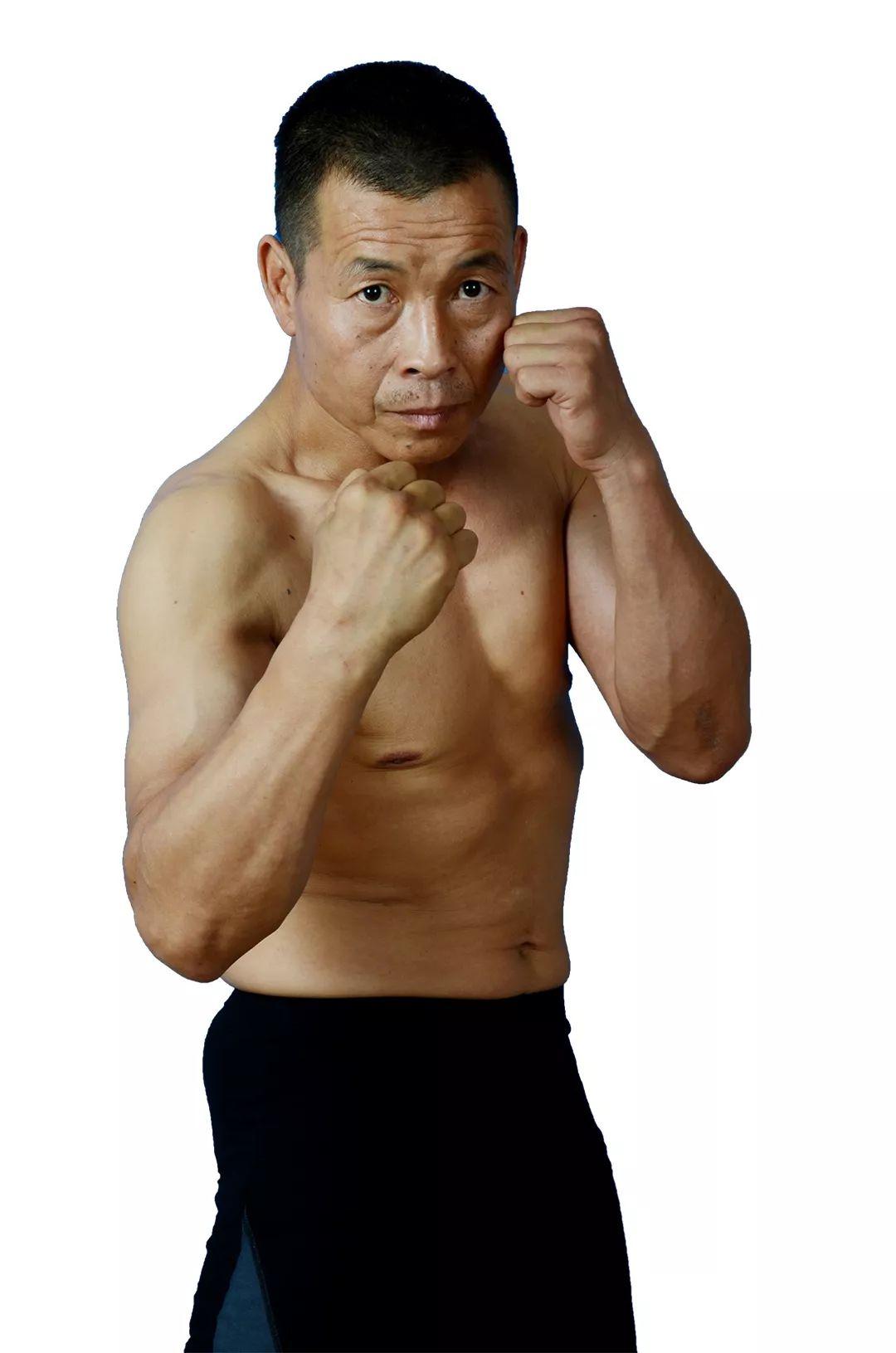 2019年8月3日黄金战士拳王争霸赛 - 直播[视频] 六合拳传人战老外