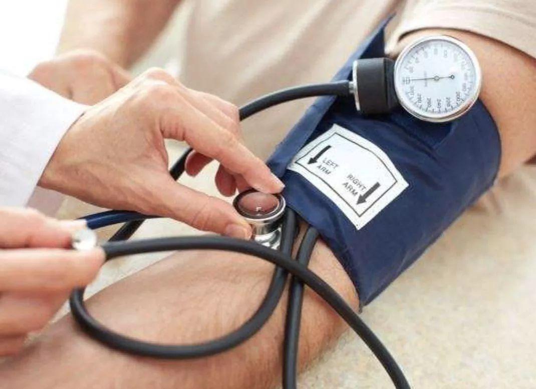 【102健康】乐享健康│美国心脏协会推荐的「降压饮食」法,血压高的人都该试试
