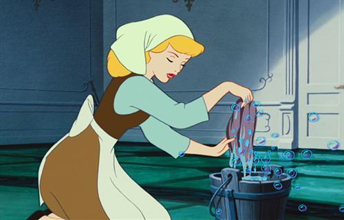 长胡子的迪士尼公主你见过吗?贝儿活像个大叔,花木兰变成老爷爷