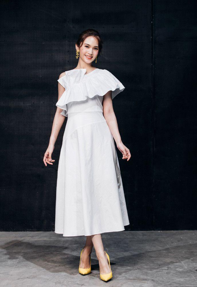看了杨丞琳才知啥叫天生丽质,素颜比化妆还美,难怪李荣浩沦陷了