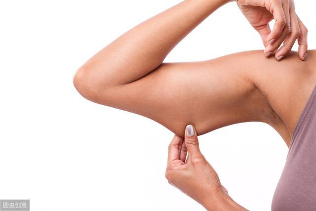 这组瘦拜拜肉训练,坚持2个月,手臂能减少2-3cm