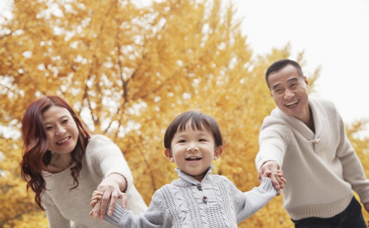 生儿子像妈妈,妈妈遗传基因更强大 这些特征你家孩子都中了吗