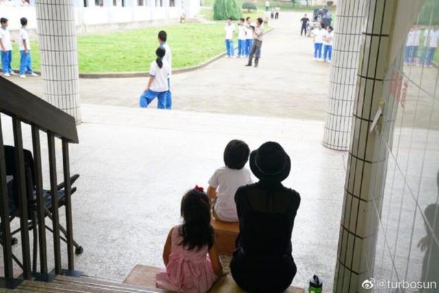 邓超成了别人的爸爸?7岁儿子吃醋,孙俪曝等等心中疑问引爆笑 作者: 来源:猫眼娱乐V