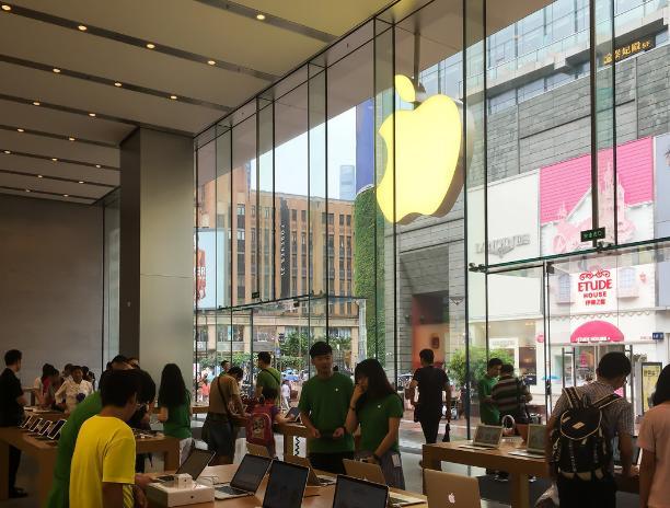 """雷军想要小米拿下""""销冠"""",赢了苹果华为,却输给了这个品牌"""