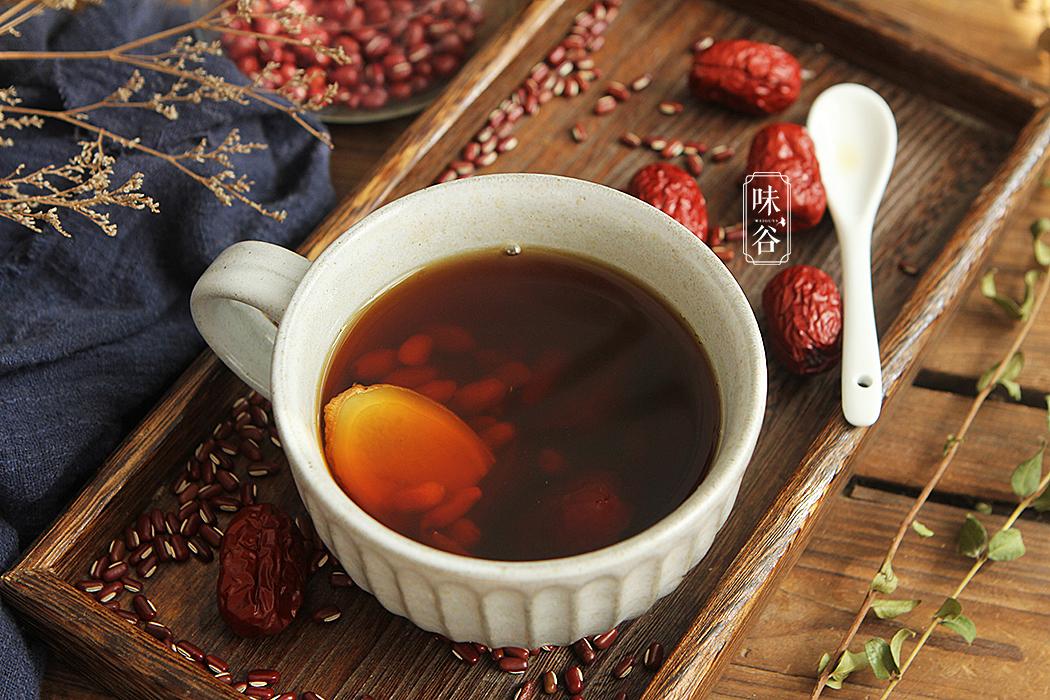 三伏天,湿气重,冬病夏治,坚持喝姜茶,湿毒排光光