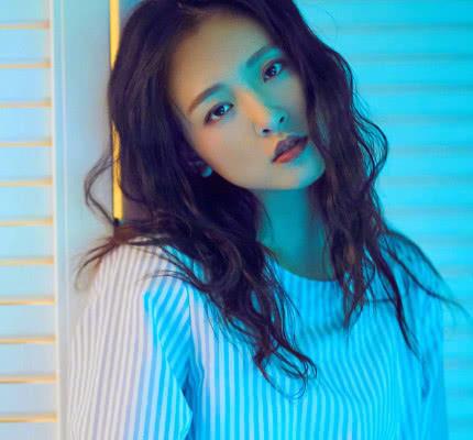 吴倩从不剪短发,她的短发太美了