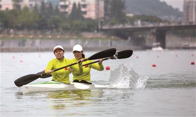 带动我市水上运动氛围!常山举办省青少年皮划艇赛艇锦标赛