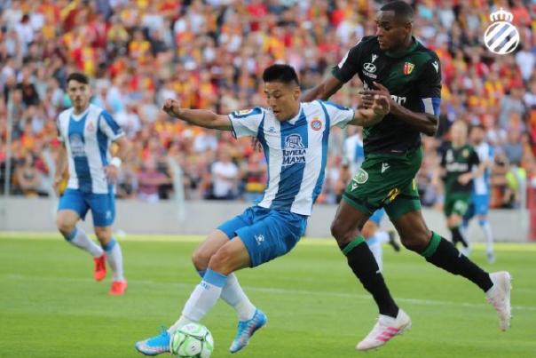 王者归来!武磊新赛季首秀表现出色,制造点球助西班牙人3-1胜_朗斯