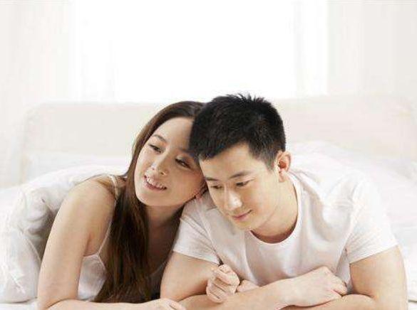 """夫妻的最佳年龄差是多少?若是""""此数"""",小两口就偷着笑吧"""