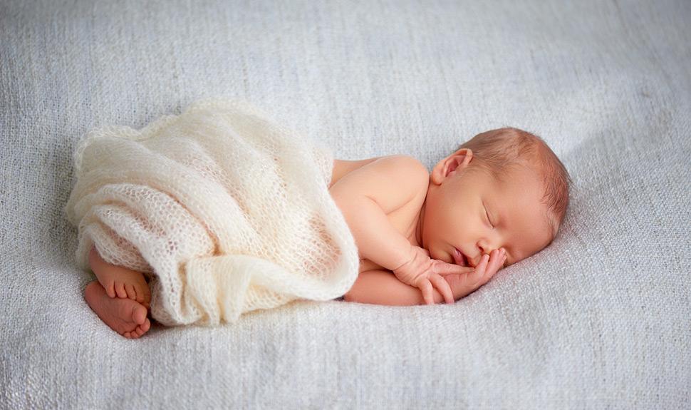 网上给婴儿起名_家长自行给宝宝起名的优势与劣势_孩子