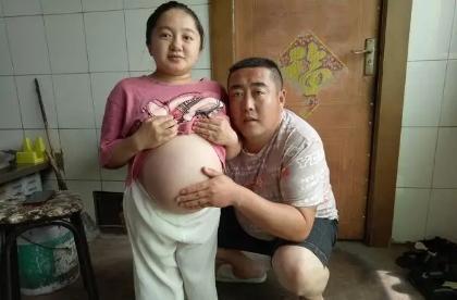 袖珍女坚持生下畸形儿,这是母爱?产科医生:为孩子的未来担忧