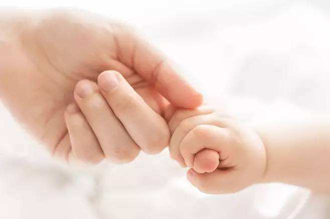 [滚动]白癜风患者可以从指甲的变化来区分身体的健康