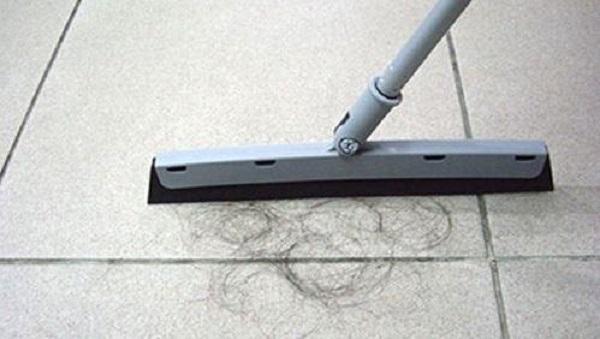 <b>家里到处都是头发,教你几招,分分钟就可以清理干净</b>