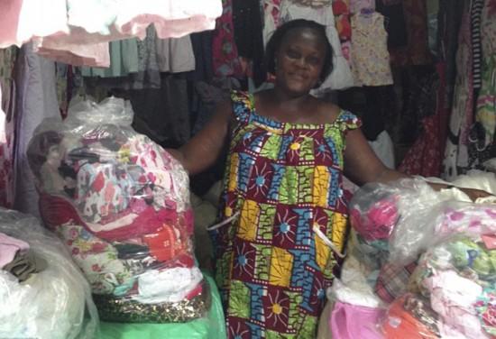 中国人捐赠的二手衣服,在非洲却变成这样!驴友:看看中国山区