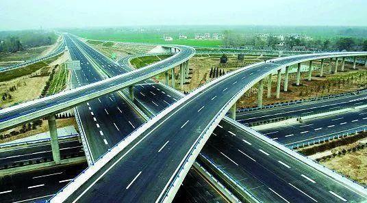 首个ETC门架系统吊装成功,河南高速不停车快捷收费进入建设施工阶段