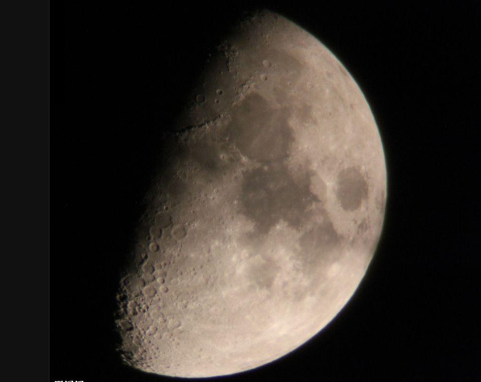 如何拍超级震撼大月亮?西安摄影培训学校来教你