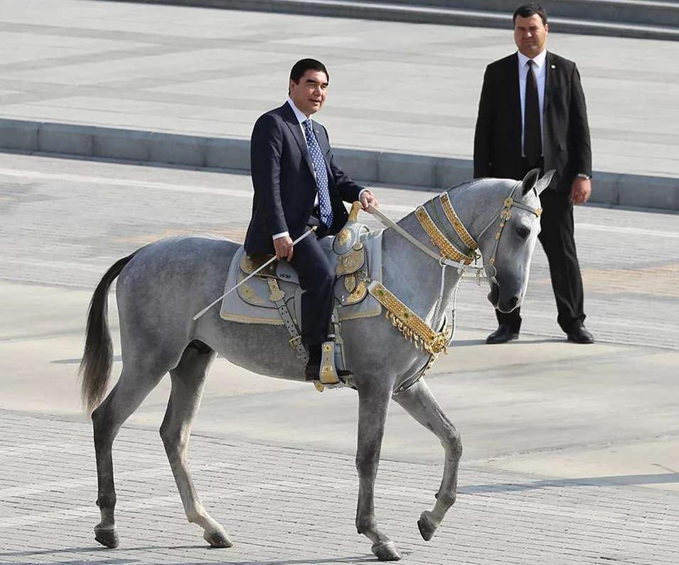 接连两周未曾公开露面,土库曼斯坦总统被传度假中突然离世