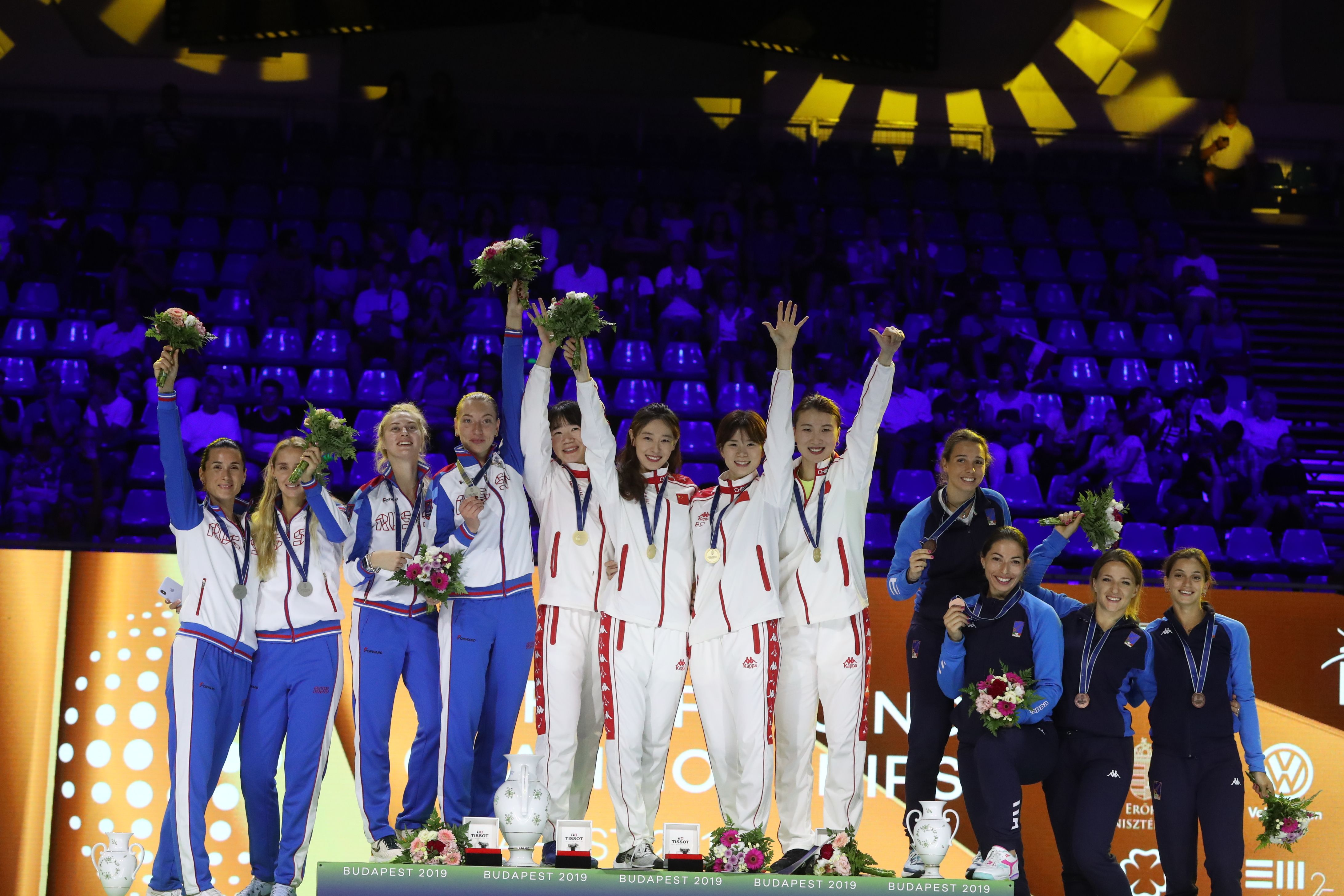 击剑——世锦赛:中国队夺得女子重剑团体冠军