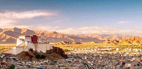 """作为西藏的古建筑,这座被称为""""小布达拉宫""""的建筑却鲜少人知"""