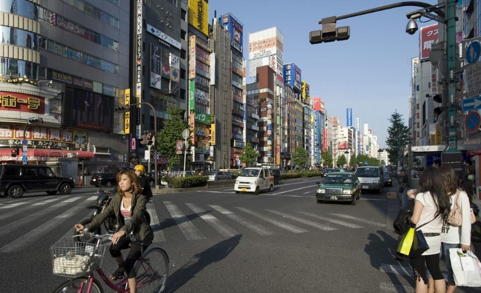 """日本最大的""""歌舞伎町街"""":交易皆为合法,但顾客得交税!"""