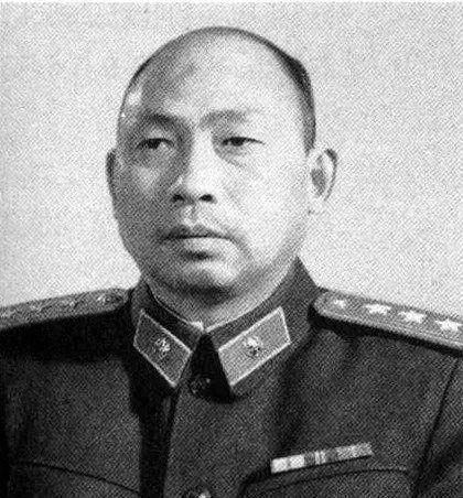 李天佑和李腾飞_我军的高级将领之一,被授予上将军衔,并担任广西军区司令员 ...
