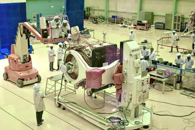 印度开始进行新月发射尝试