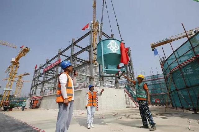提前15天实现地下结构封顶 冬奥村工程建设提前进入钢结构施工阶段
