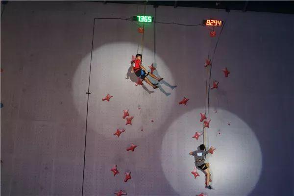 第十二届全国青年攀岩锦标赛在高碑店开赛