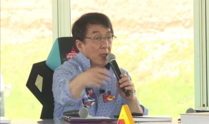 成龙呼吁保护古长城,首先出资100万,不愧为公益典范 作者: 来源:猫眼娱乐V