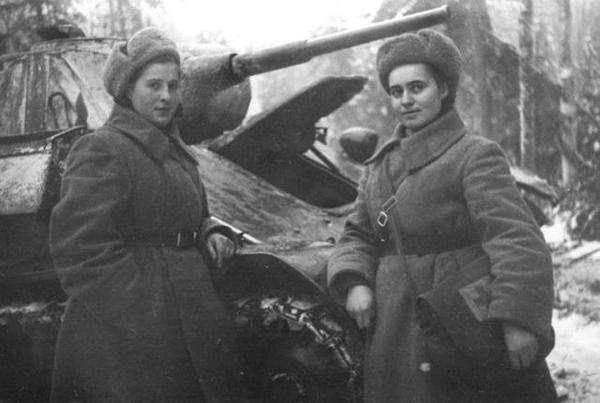 """历史-她是苏联""""花木兰"""",丈夫死后给斯大林写信,开着坦克给丈夫报仇(1)"""