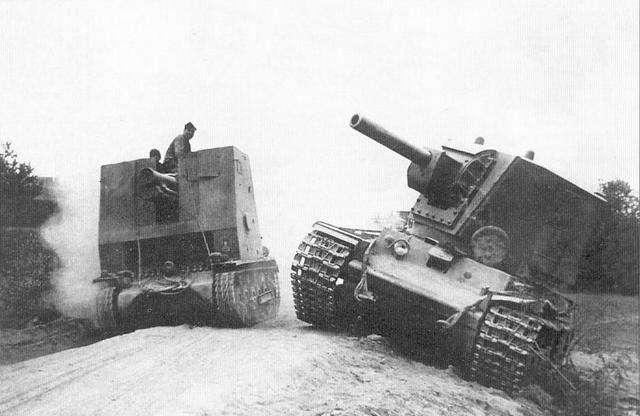 """历史-她是苏联""""花木兰"""",丈夫死后给斯大林写信,开着坦克给丈夫报仇(4)"""