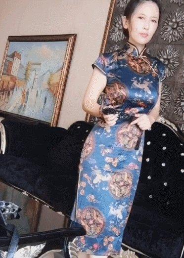 """本以为杨清柠""""军阀太太""""够美了,当看到她妈妈,这才是女神气质"""