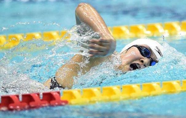 1分57秒59!李冰洁勇夺200米自由泳预赛小组第一,