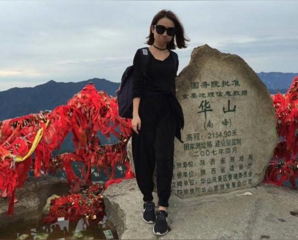 女孩游华山遇害 惨不忍睹原因实在令人痛心!直到7月19日,郭先生接到了华阴警方的电话,称其女友遇害,犯罪嫌疑人已被抓获。警方还告诉他,在该嫌疑人的指引下,警方发现了女友的尸体。7月20日,郭先生了解到