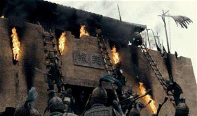 <b>古代军队攻城时,冲在最前面的士兵为何不怕死?有三个原因决定</b>