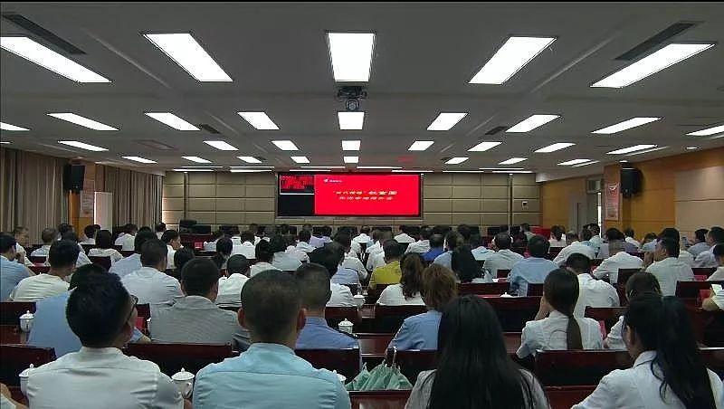 """绥阳掀起学习""""时代楷模""""杜富国先进事迹热潮"""