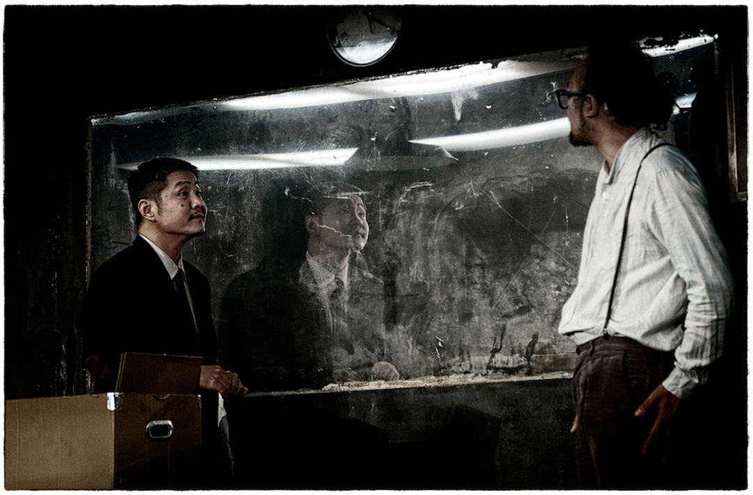huangsepian恶狠狠_比如那个恶狠狠审讯卡图兰的警察埃里尔,一开始看起来就像一个权力