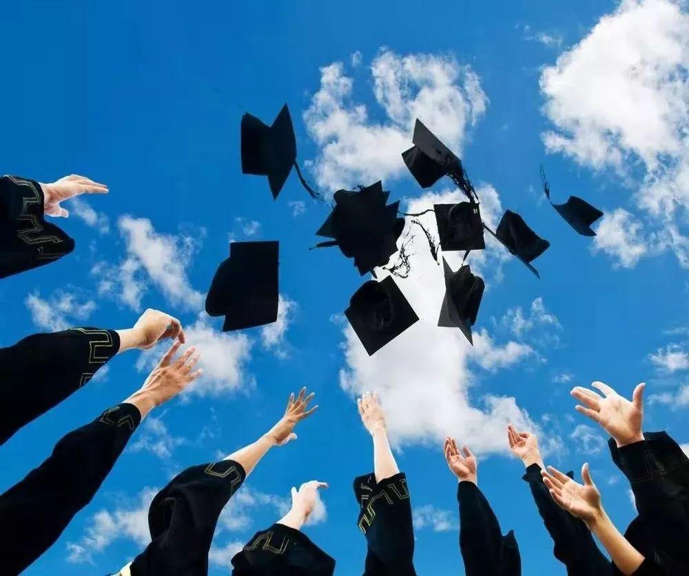"""小僵尸的大学生活已结束,美好的回忆,终将留在这个""""毕业季"""""""