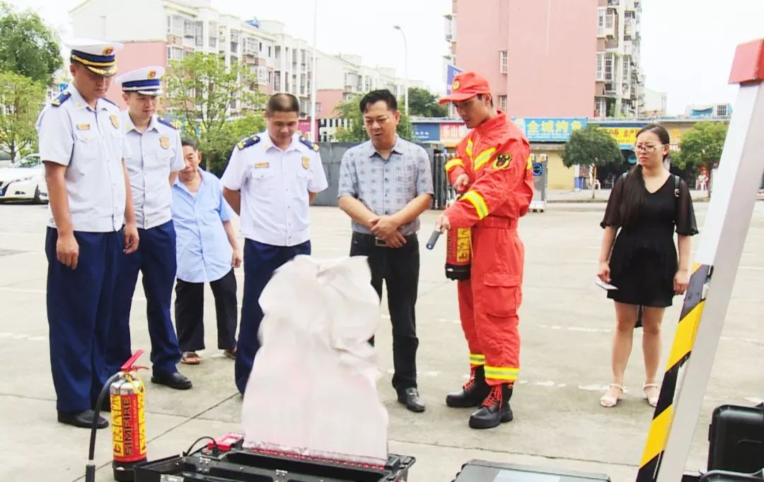 【屏山时讯】县政协组织委员调研全县消防工作